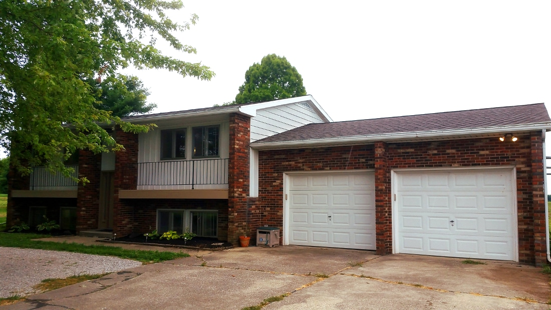 10599 North Rd – Front of home