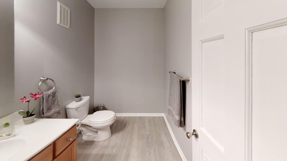 5908-Six-School-Rd-Bathroom 3
