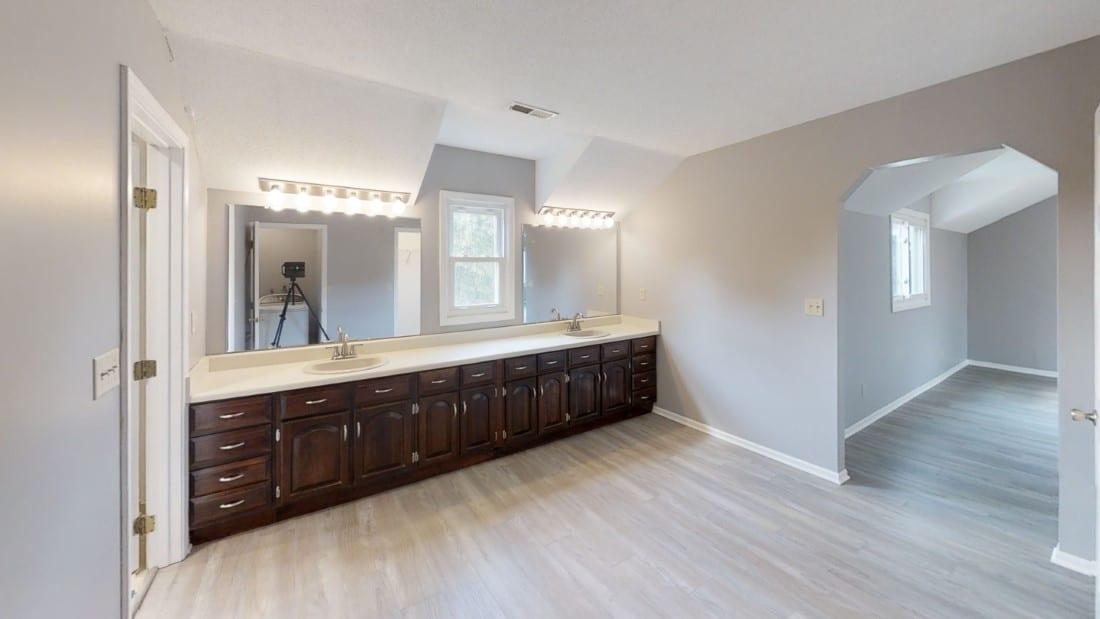 5908-Six-School-Rd-Bathroom