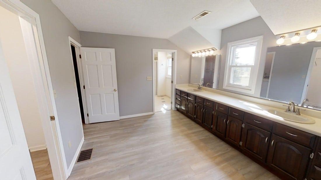 5908-Six-School-Rd-bathroom 2 2020