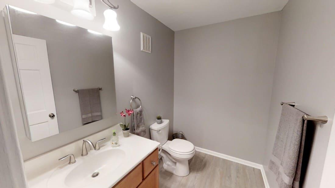 5908-Six-School-Rd-bathroom 3 2020