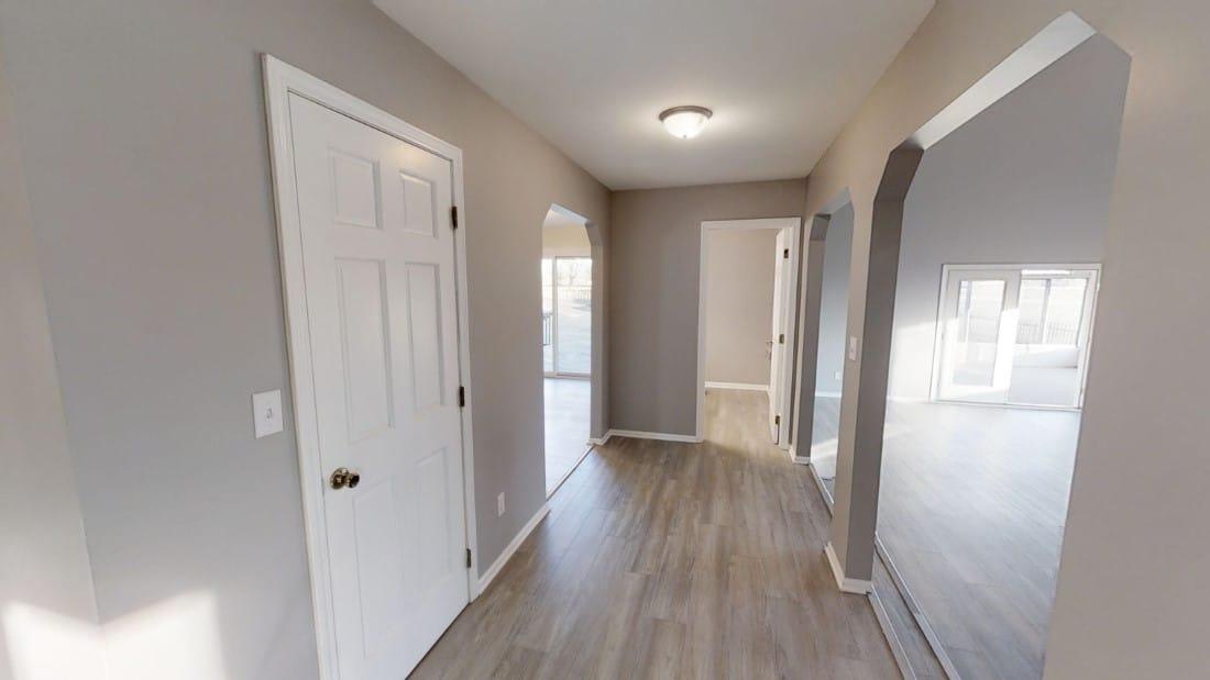 5908-Six-School-Rd-hallway