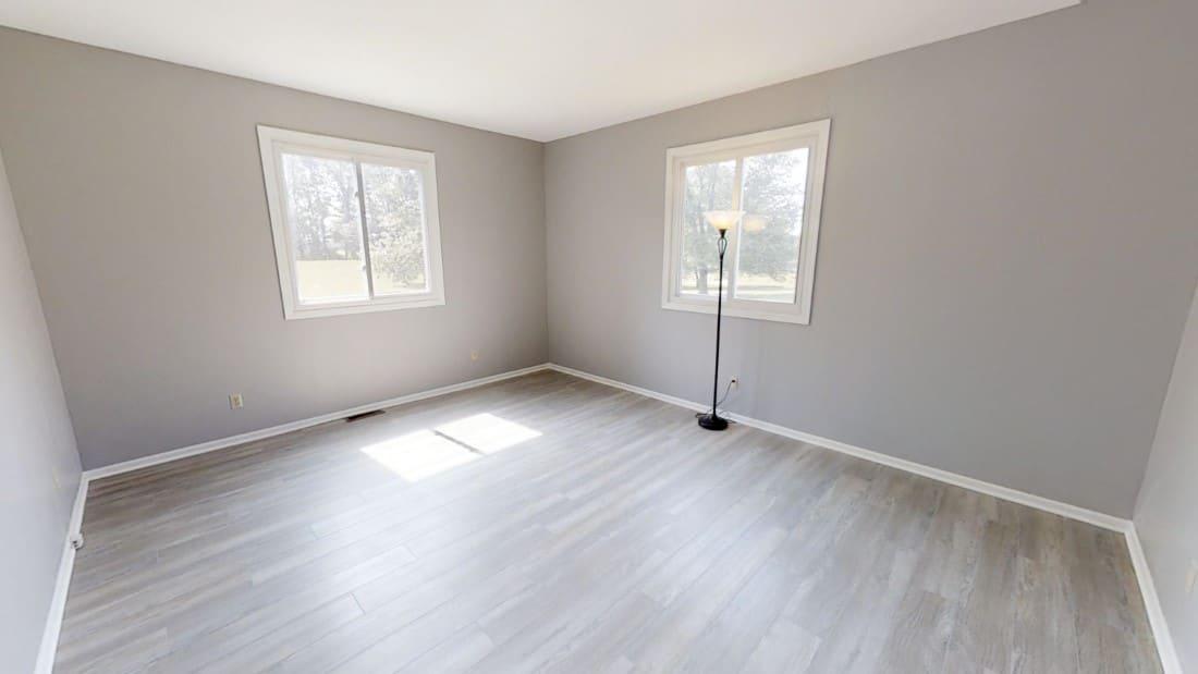 5908-Six-School-Rd-living room