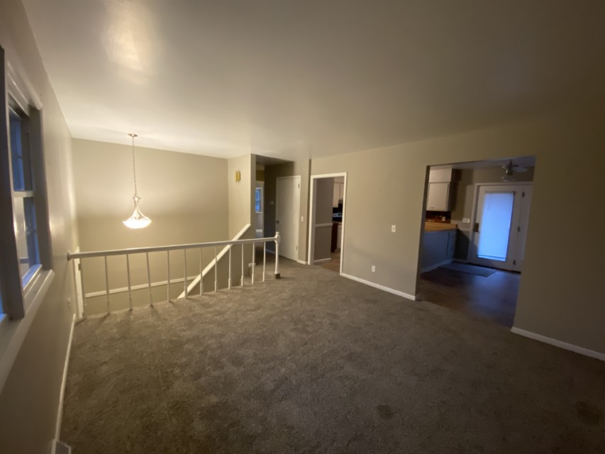 2201 E Taylor Ave living room