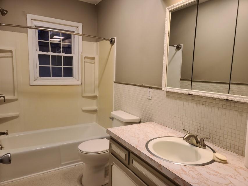 2201 E Taylor Avenue - bathroom 1
