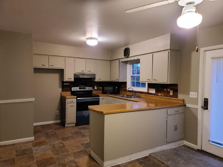 2201 E Taylor Avenue - kitchen