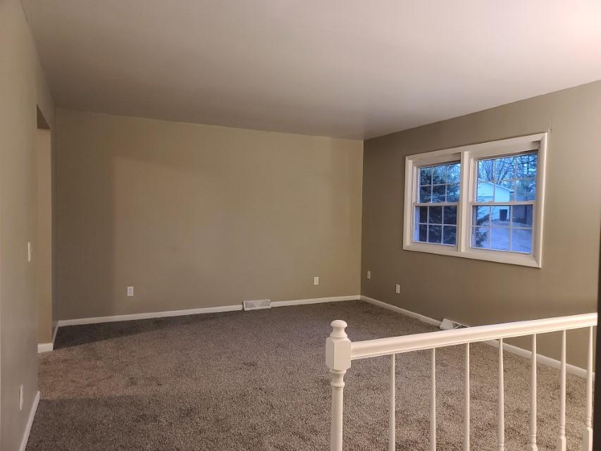 2201 E Taylor Avenue living room