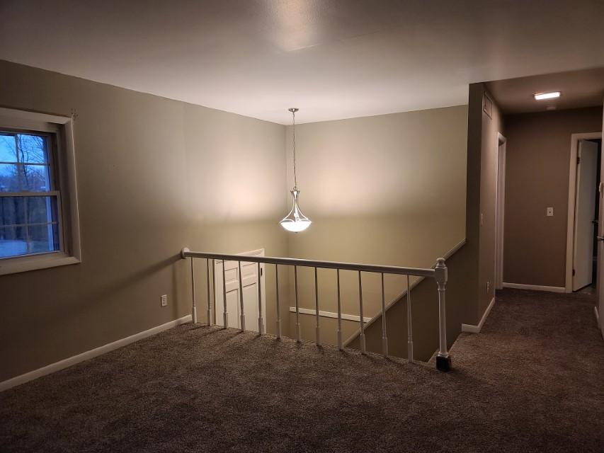 2201 E Taylor - living room