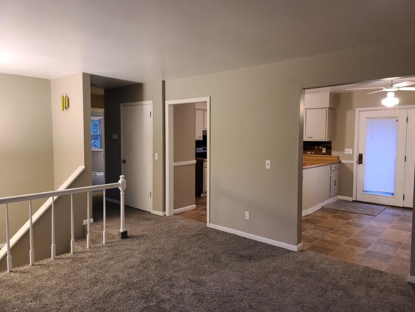 2201 E Taylor - living room kitchen