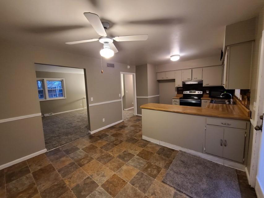 2201 East Taylor Avenue kitchen