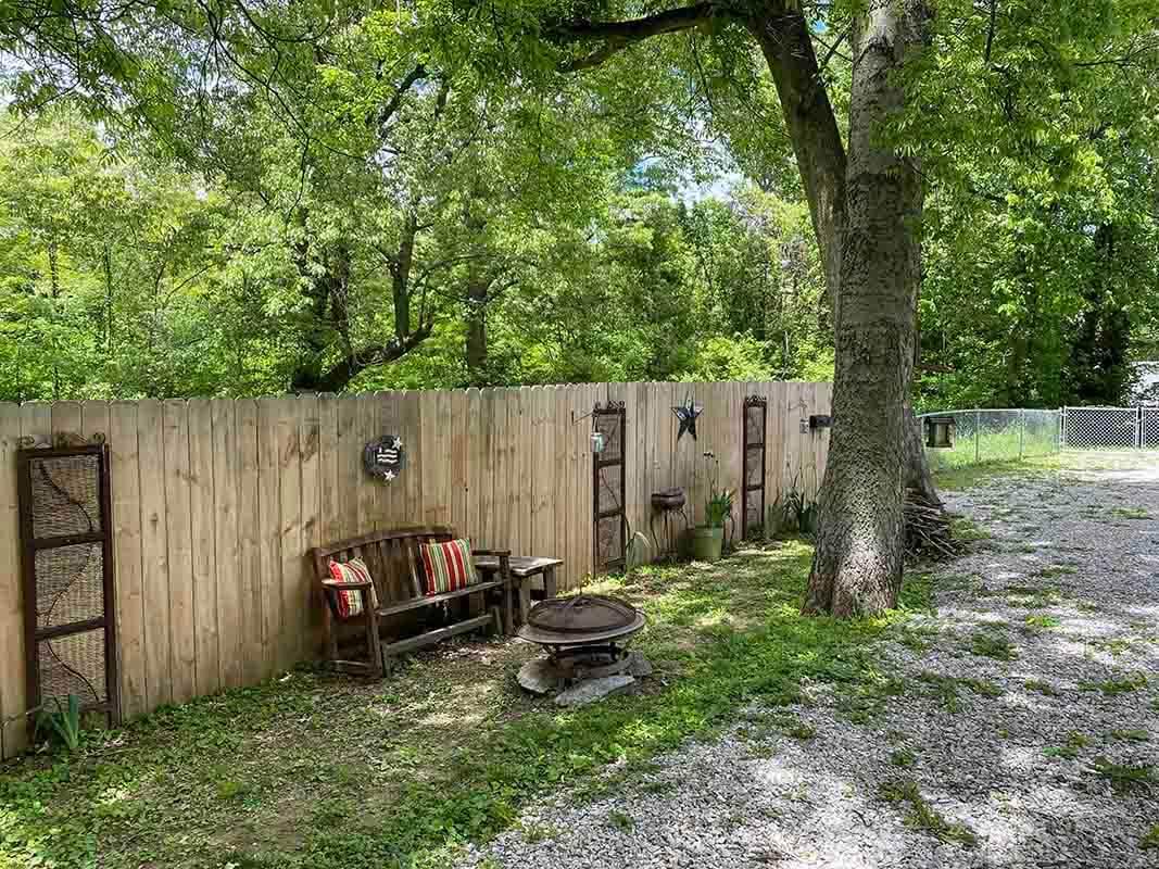 3409 Frisse Ave - fenced backyard