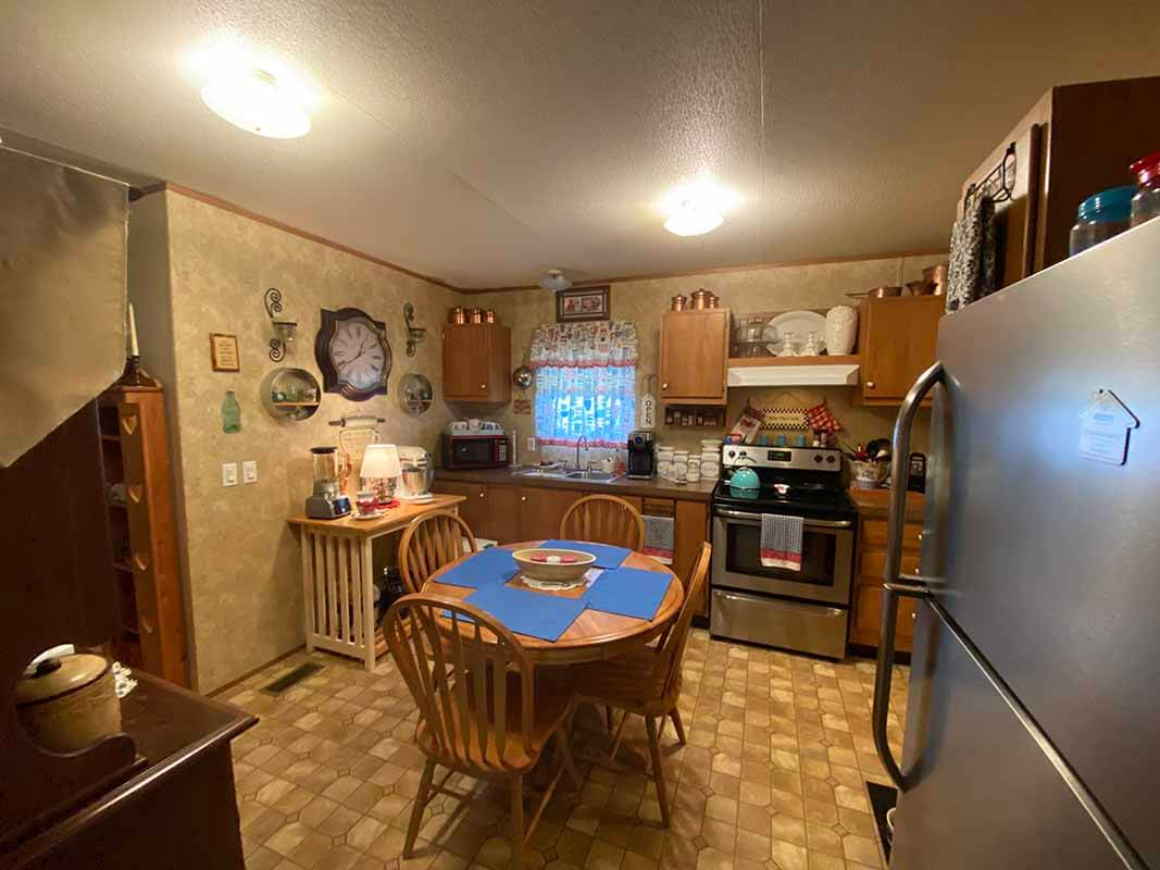 3409 Frisse Ave kitchen