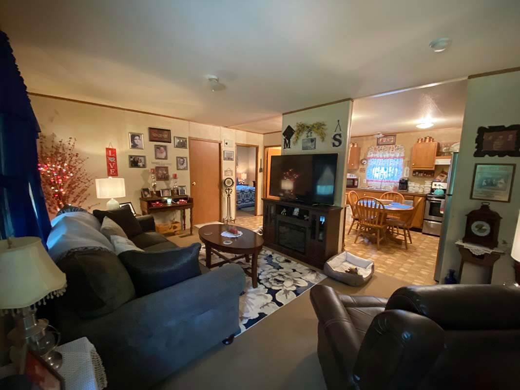3409 Frisse Ave - living room