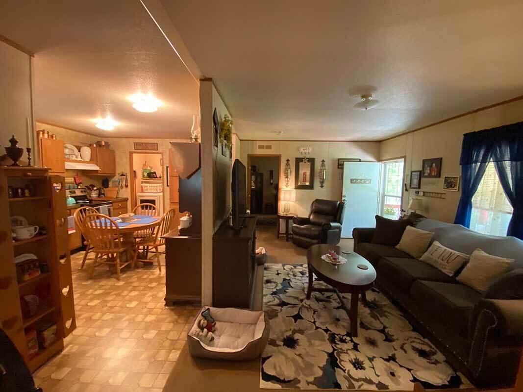 3409 Frisse Ave - livingroom kitchen