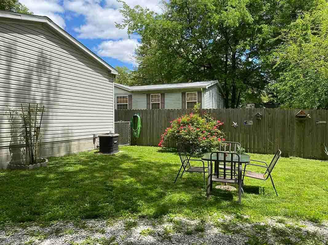 3409 Frisse Avenue backyard