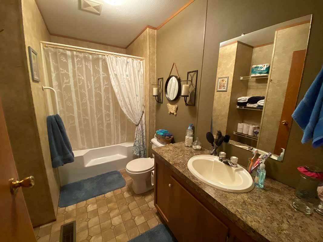 3409 Frisse Avenue - bathroom 1