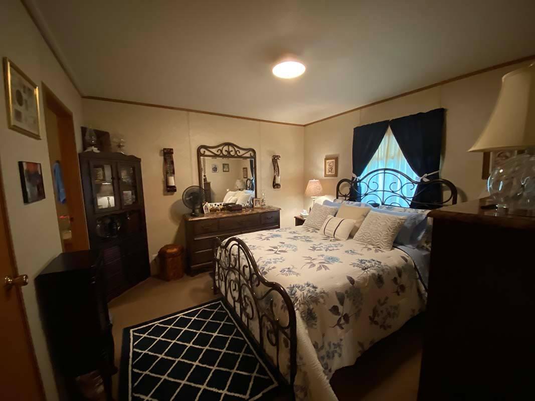 3409 Frisse Avenue bedroom 1
