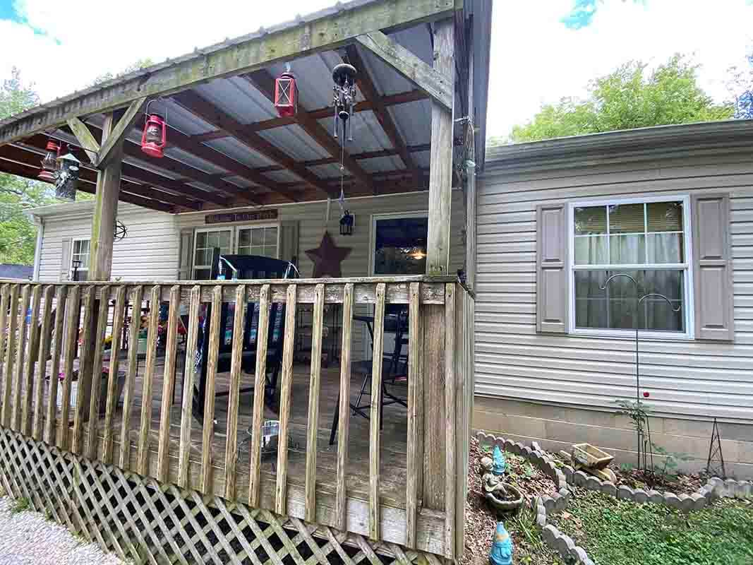 3409 Frisse Avenue - covered porch