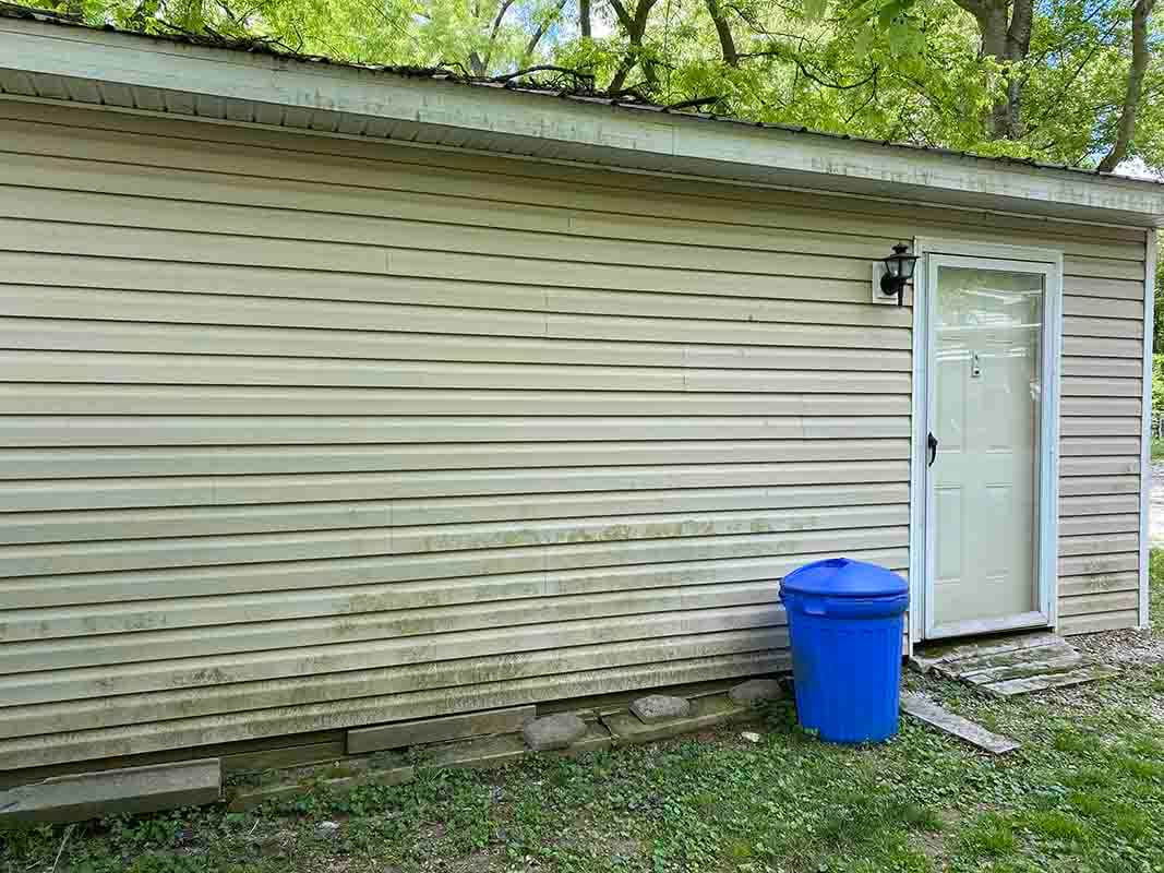 3409 Frisse Avenue - detached garage