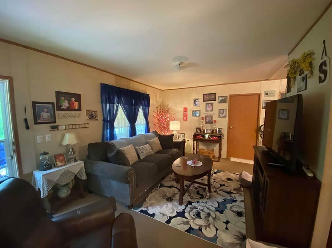 3409 Frisse Avenue living room