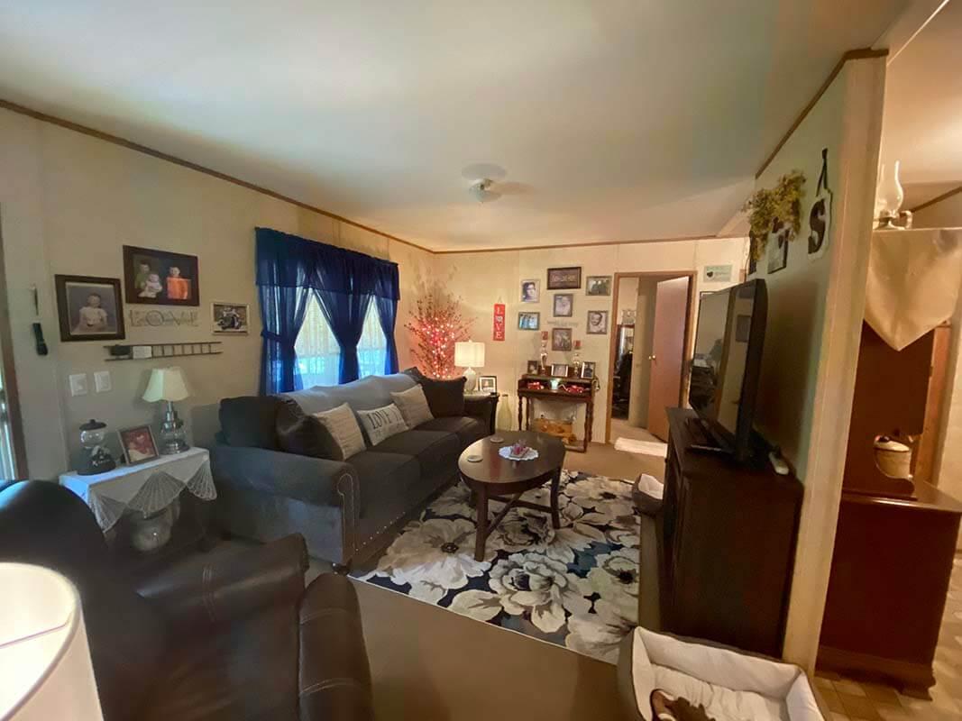 3409 Frisse Avenue - living room