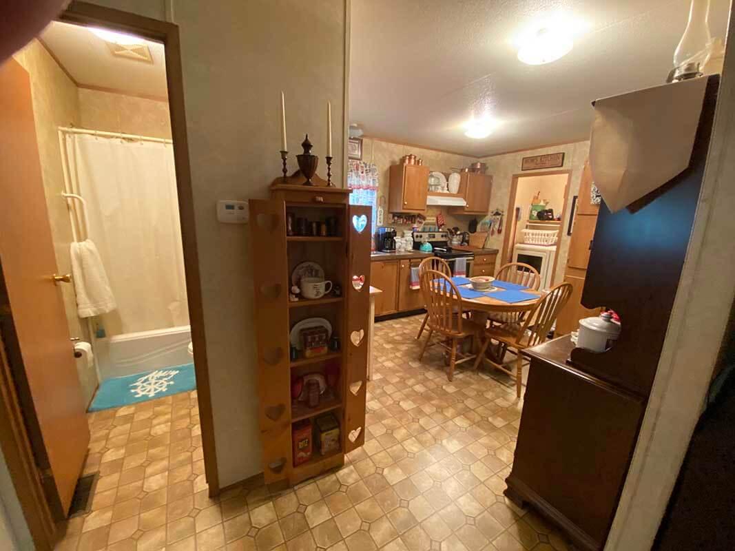 3409 Frisse - kitchen
